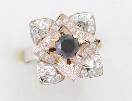 Prsten květ s černým diamantem
