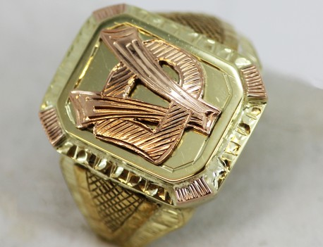 Pečetní prsten monogram V. D.