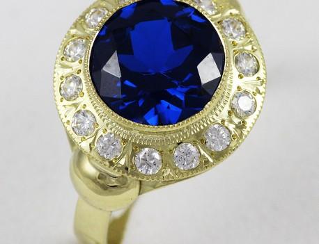 Prsten s kamenem spinel